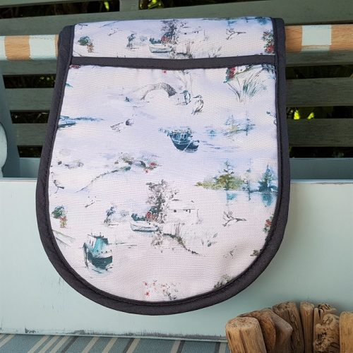 Winter Canal Scene Oven Gloves
